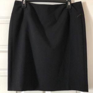 Ellen Tracy Black above the knee pencil skirt